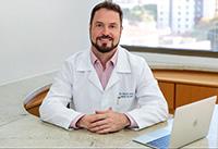 Dr Stefan Zolin - Especialista em Cirurgia de Mão e Microcirurgia em Florianópolis